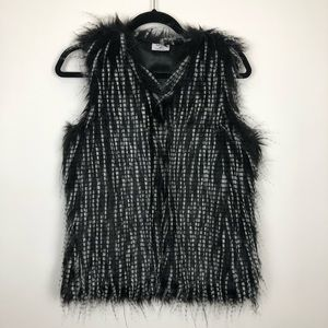 Mad style faux fur vest size Small/Medium